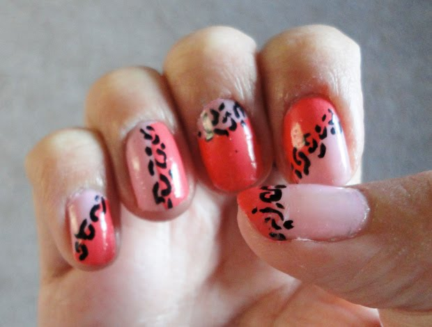 nail art leopard design