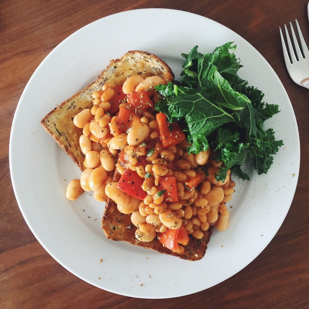 Spicy beans on toast