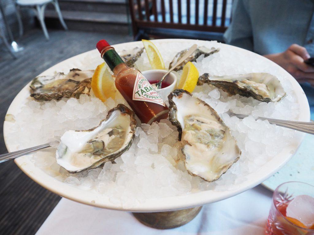 The Artisan Bistro, half dozen oysters