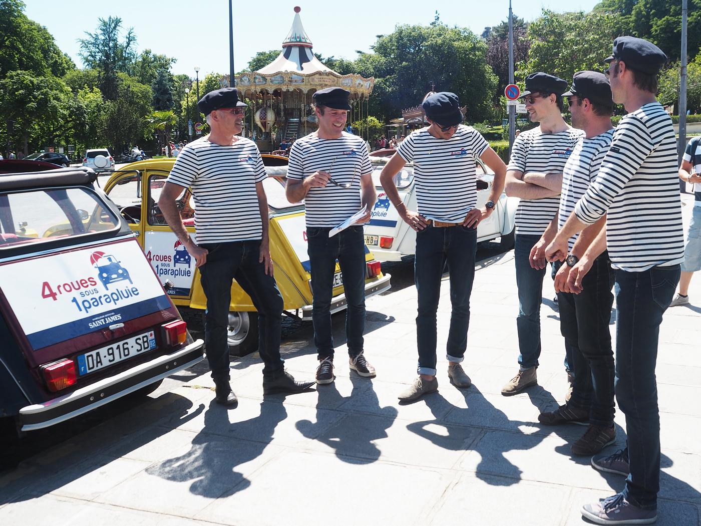 2CV car tour of Paris