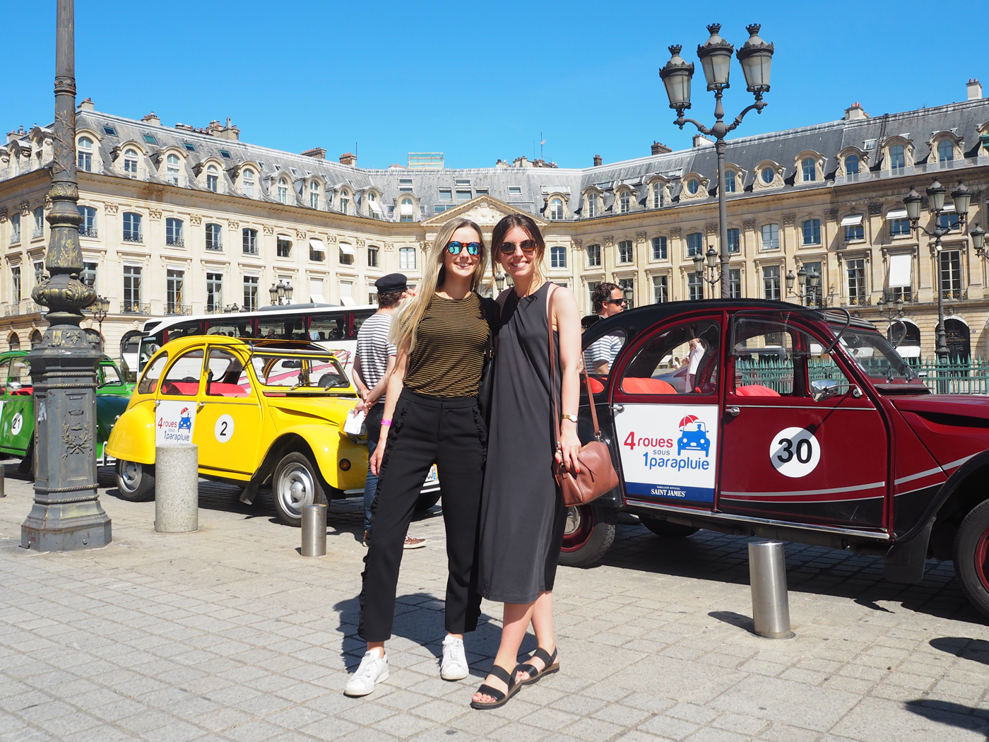 Vintage car tour of Paris