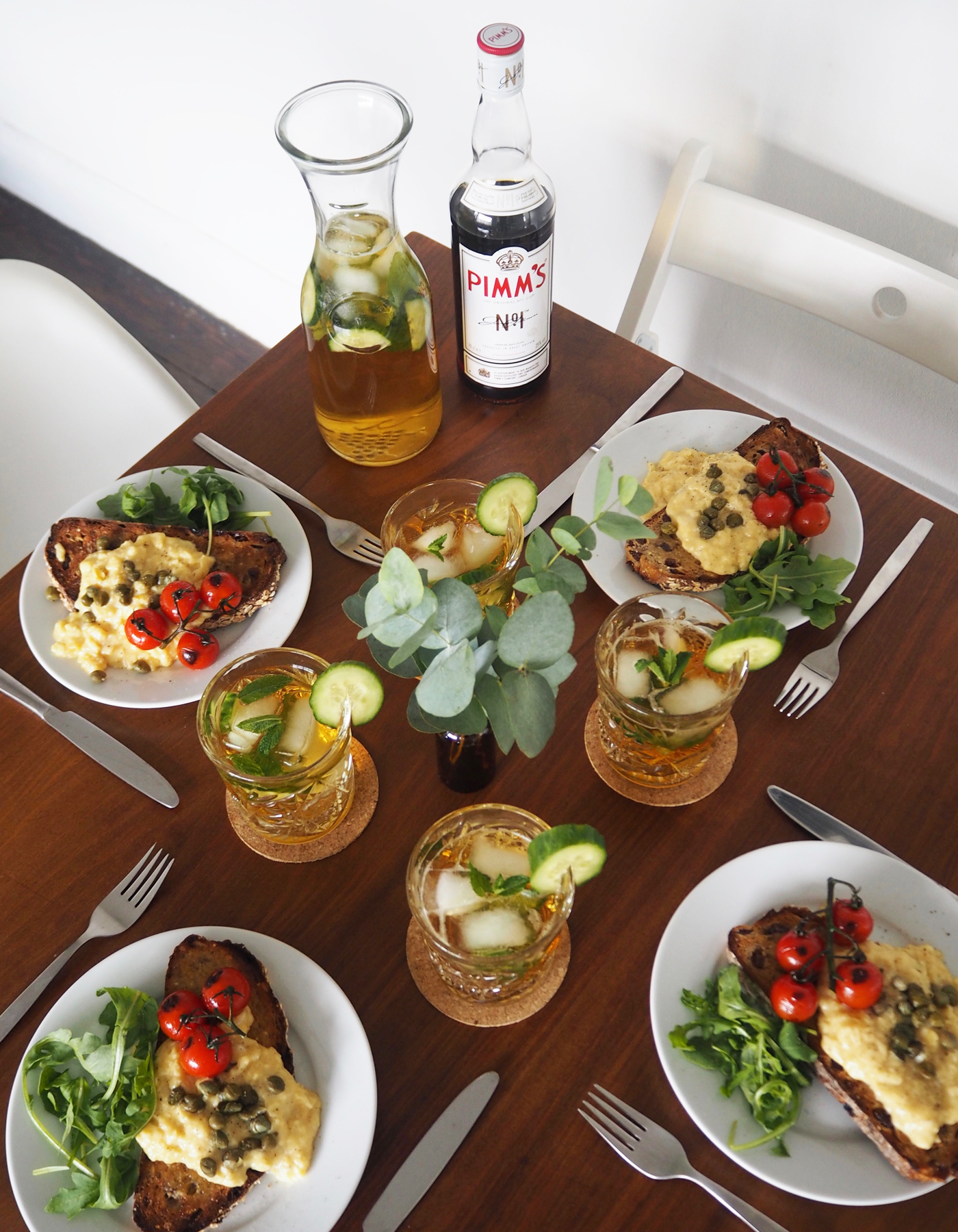 Pimm's gin and tonic