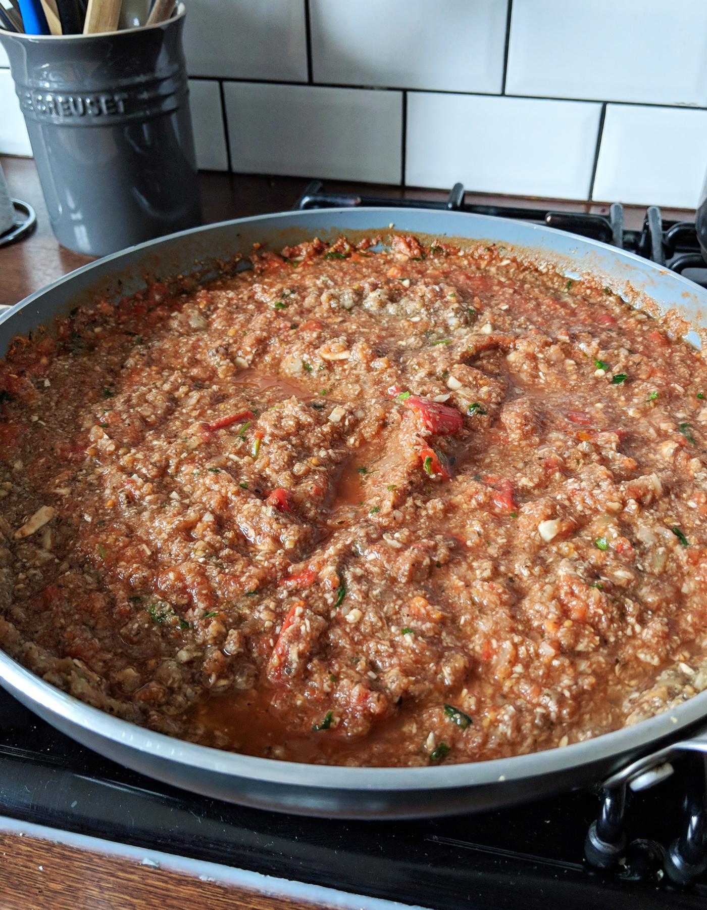 Homemade lasagne sauce