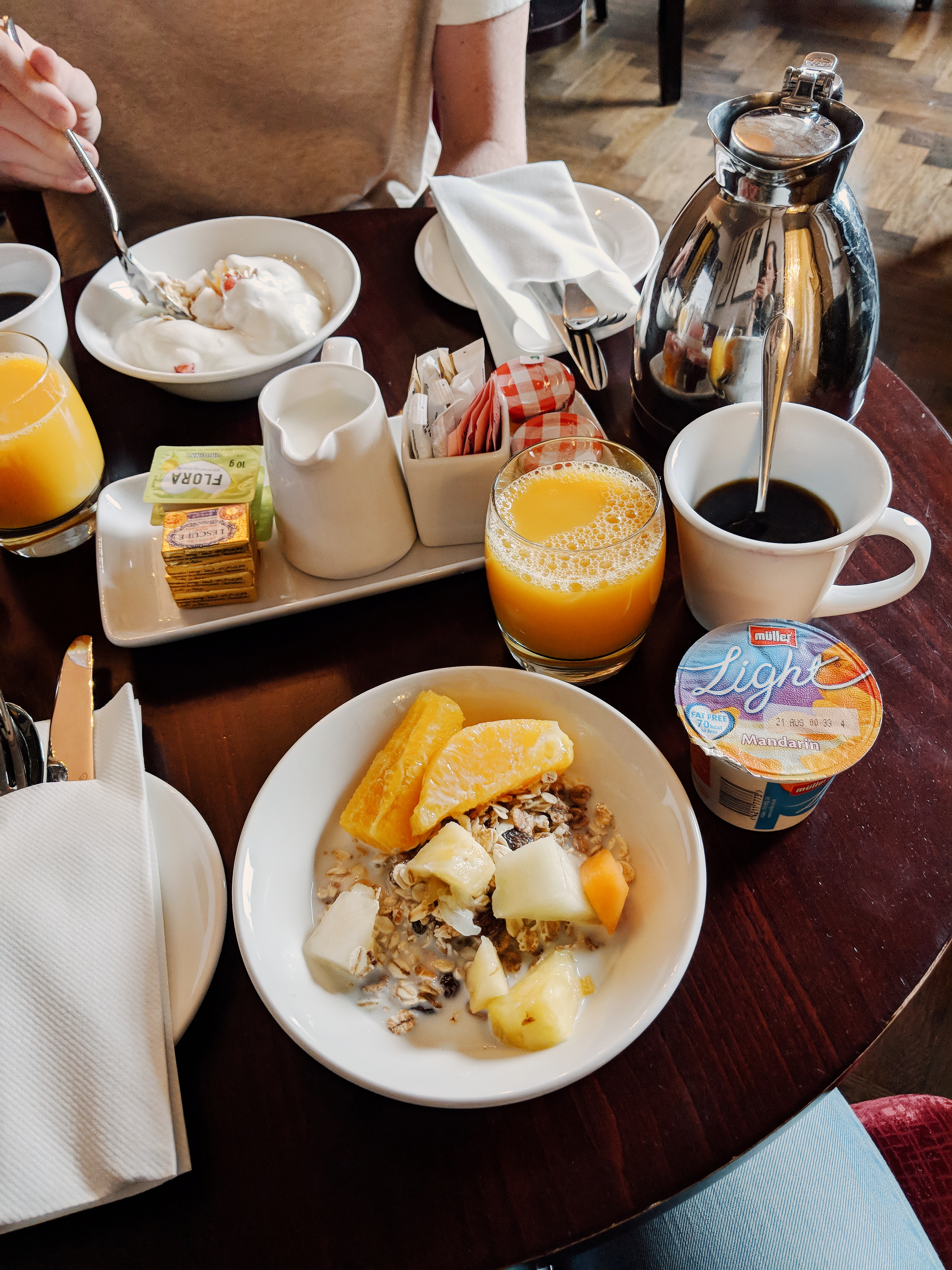 AMBA Hotel Charing Cross breakfast