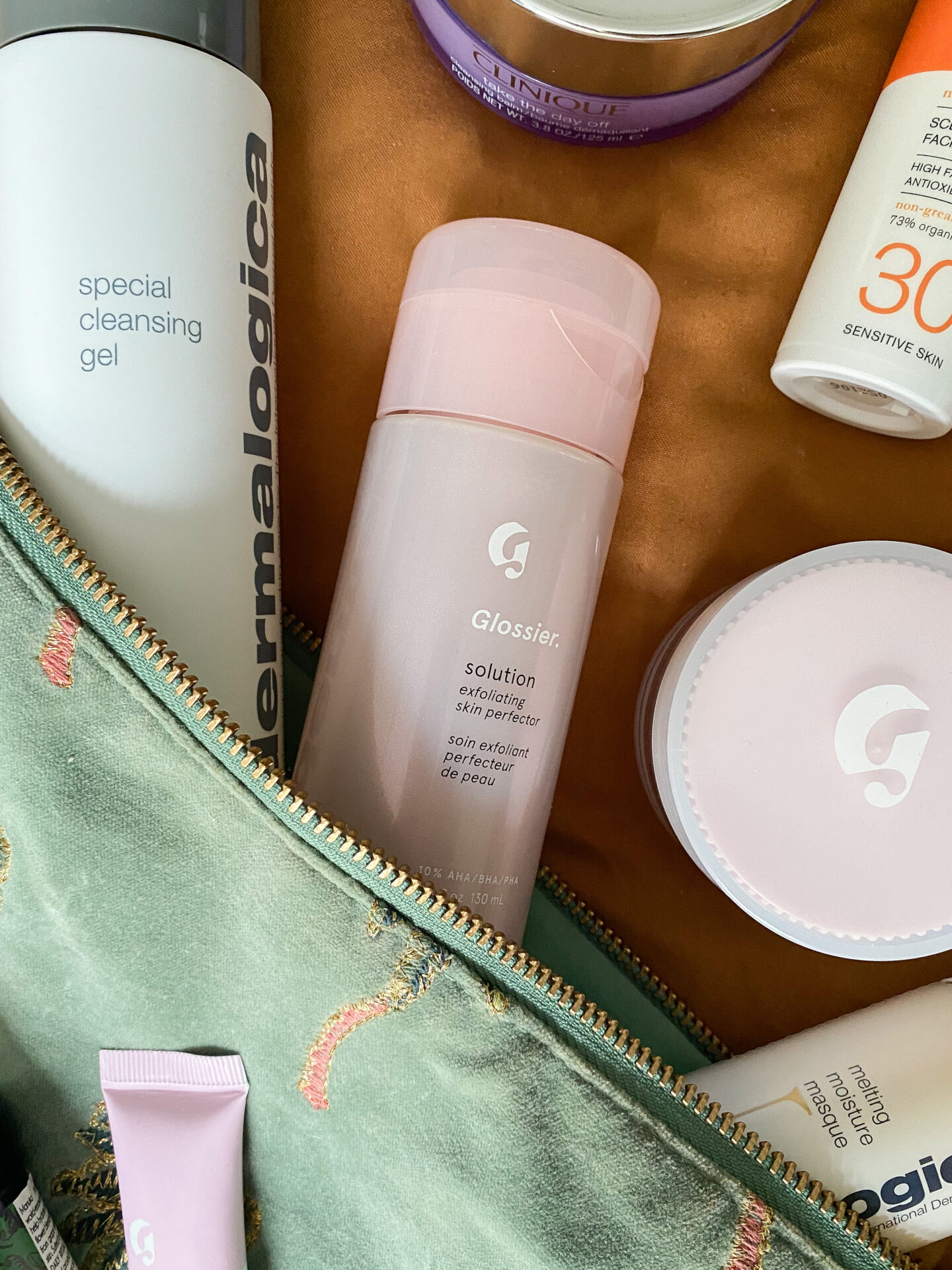 Glossier exfoliating solution